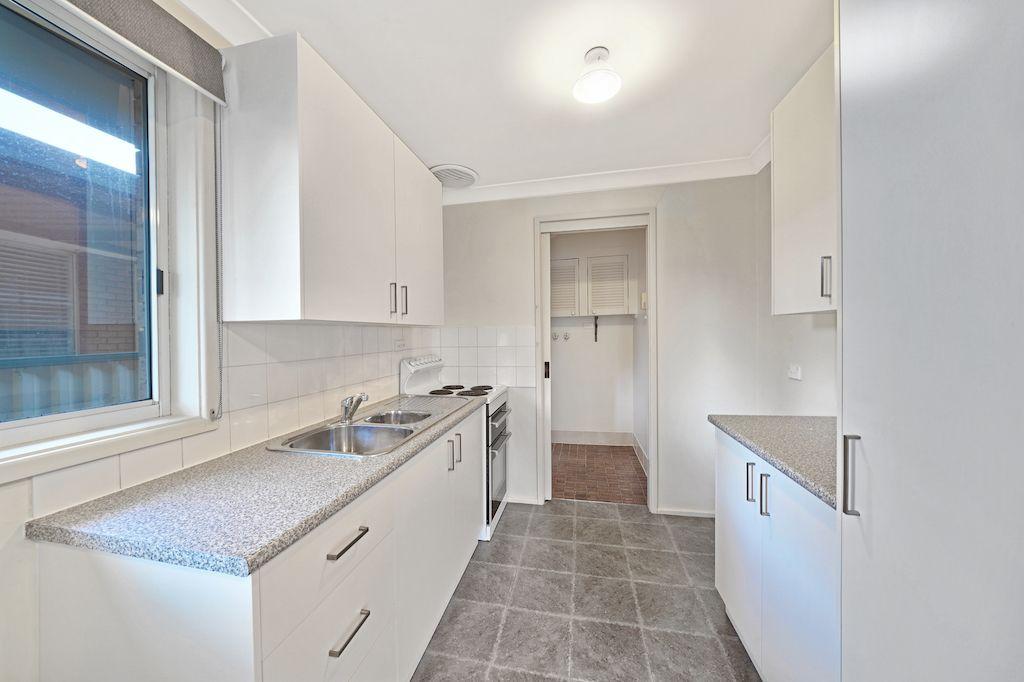 27 Euphrates Place, Kearns NSW 2558, Image 2