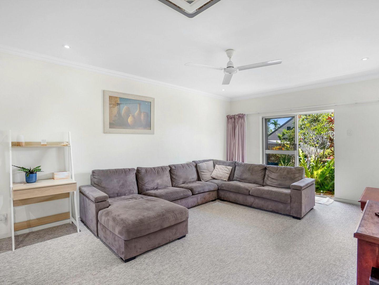 1/6 Brooks Street, Whitfield QLD 4870, Image 2