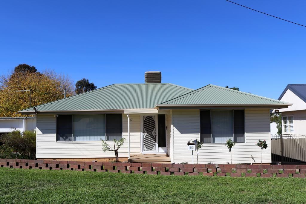 10 Lansdowne Street, Young NSW 2594, Image 0