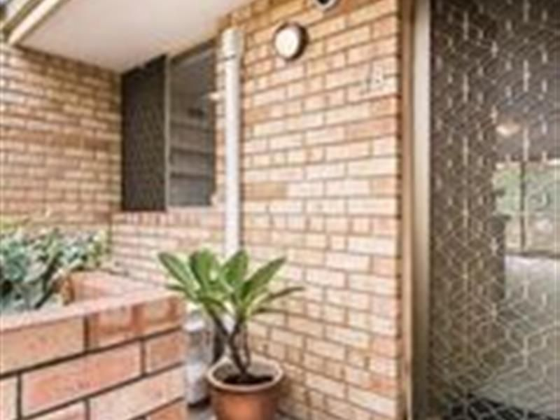 2/18 Mitchell Street, Bentley WA 6102, Image 0