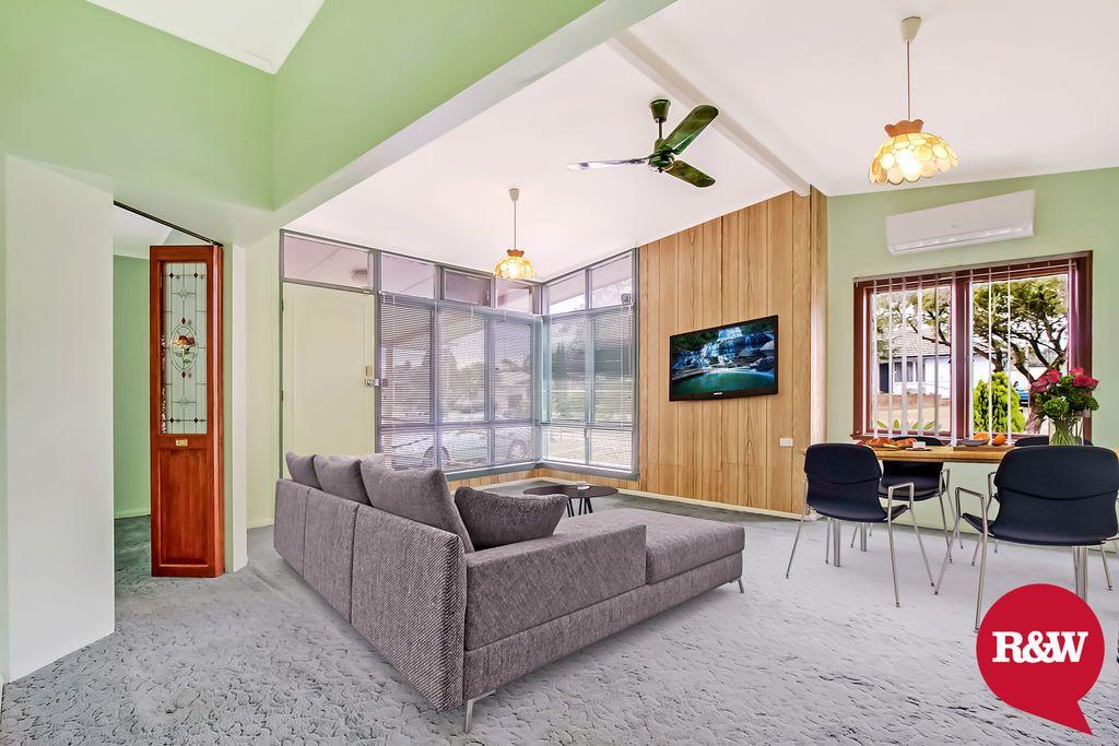 33 Neriba Crescent, Whalan NSW 2770, Image 2