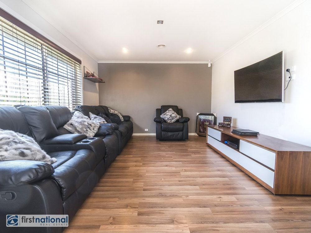 17 Fuschia Place, Meadow Heights VIC 3048, Image 2