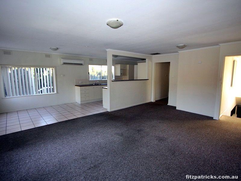 27 Copland Street, Wagga Wagga NSW 2650, Image 2