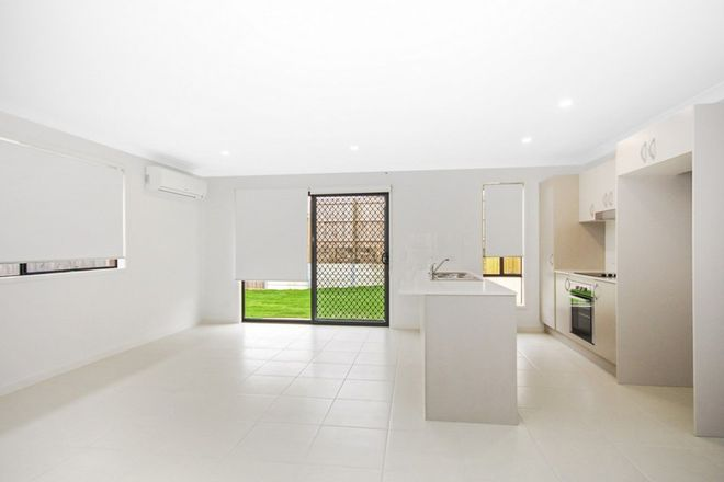 Picture of 1/19 Holroyd Street, BRASSALL QLD 4305