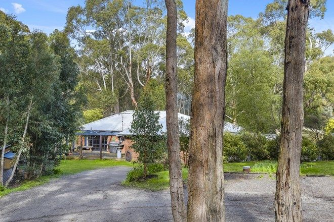 Picture of 47 Walgood Grove, MACEDON VIC 3440