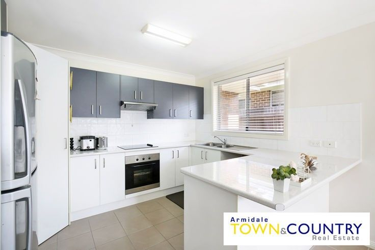9 Albion Close, Armidale NSW 2350, Image 2