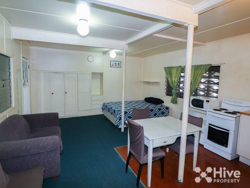30 Bramston Terrace, Herston QLD 4006, Image 2