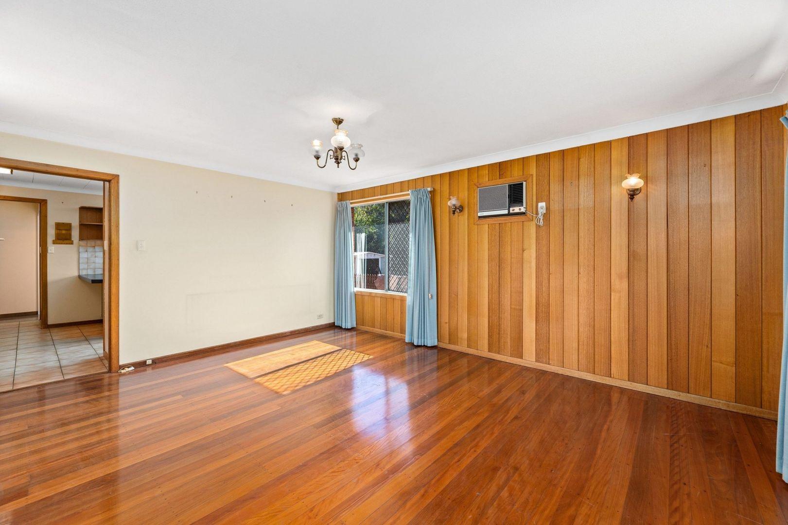 33 Benaud Street, Macgregor QLD 4109, Image 2