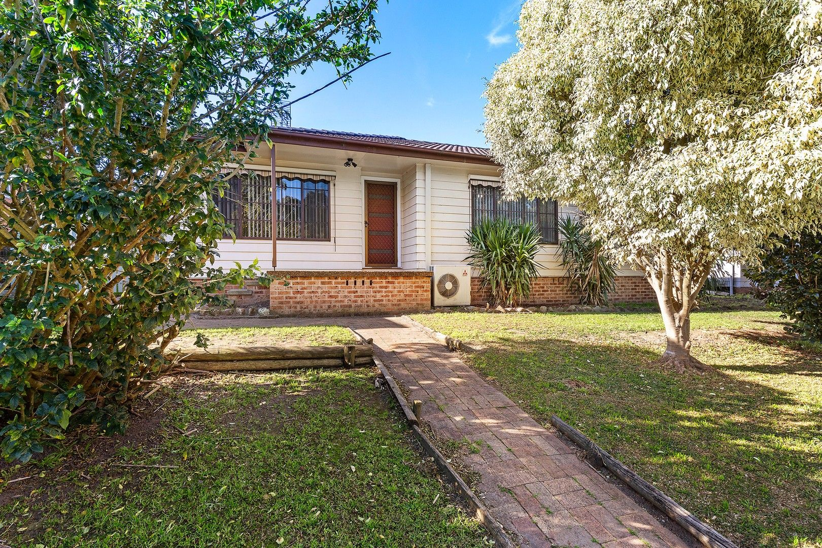 13 Deschamps Close, Thornton NSW 2322, Image 0