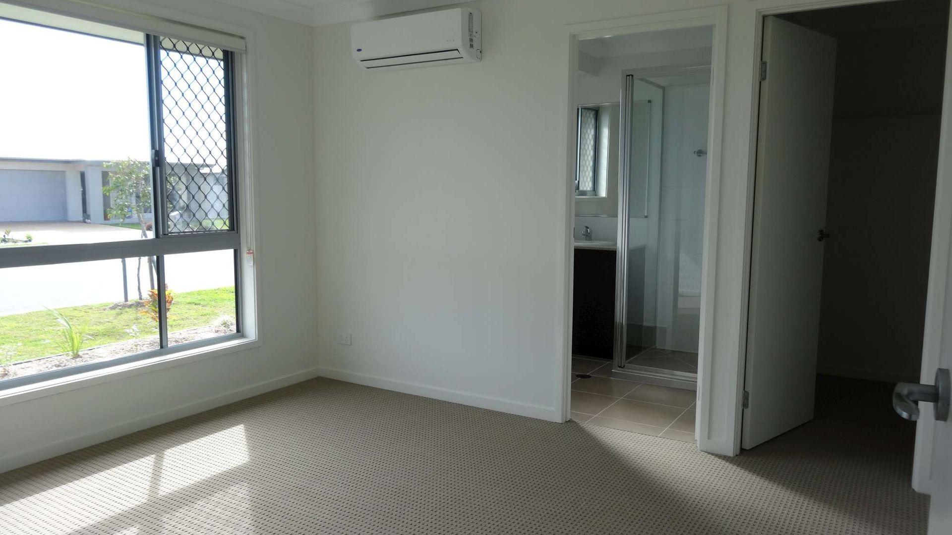 2/6 Cassinia Street, Mount Low QLD 4818, Image 1