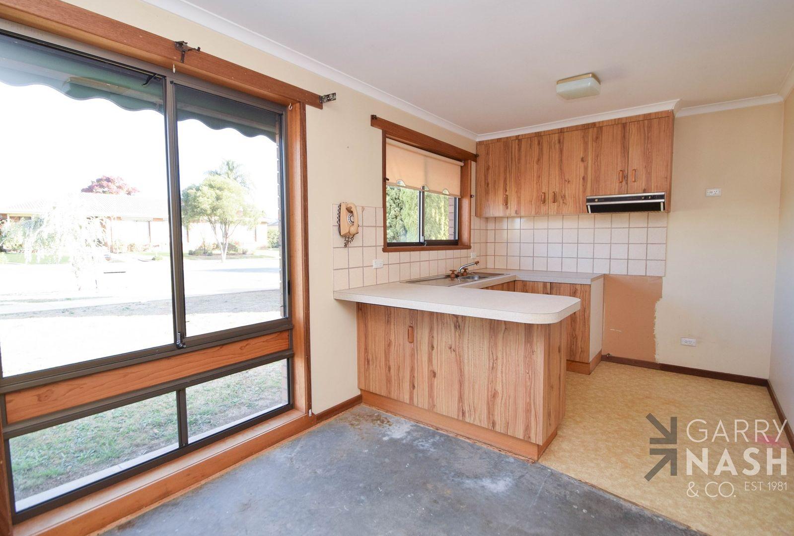 1/11 Hulme Drive, Wangaratta VIC 3677, Image 2