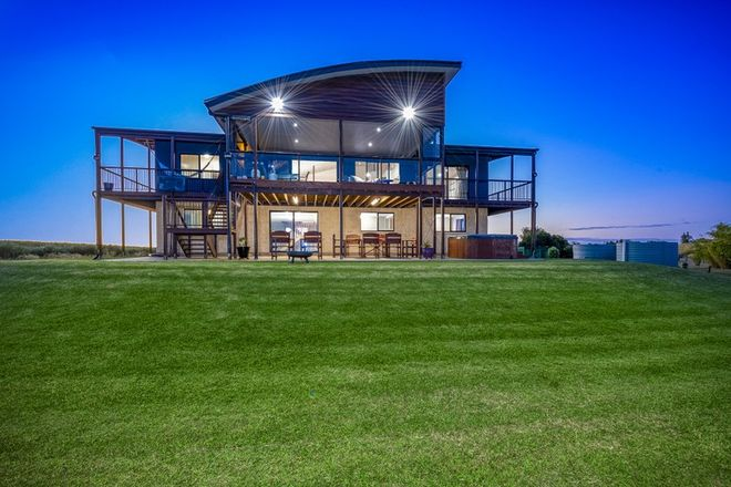 Picture of 8 River Road, FAIRYMEAD QLD 4670