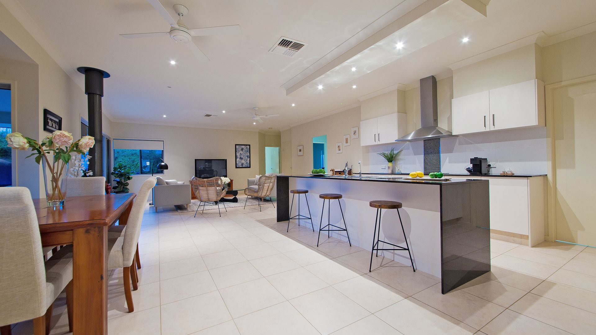 2 Lachlan Drive, Wakerley QLD 4154, Image 2