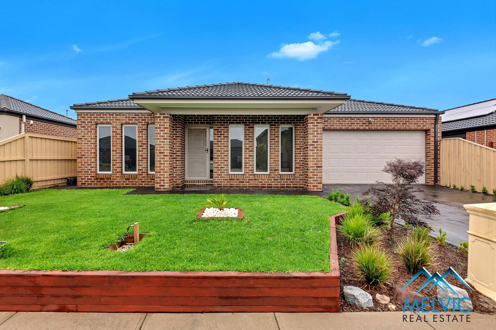 8 Damper Way, Lynbrook VIC 3975, Image 0