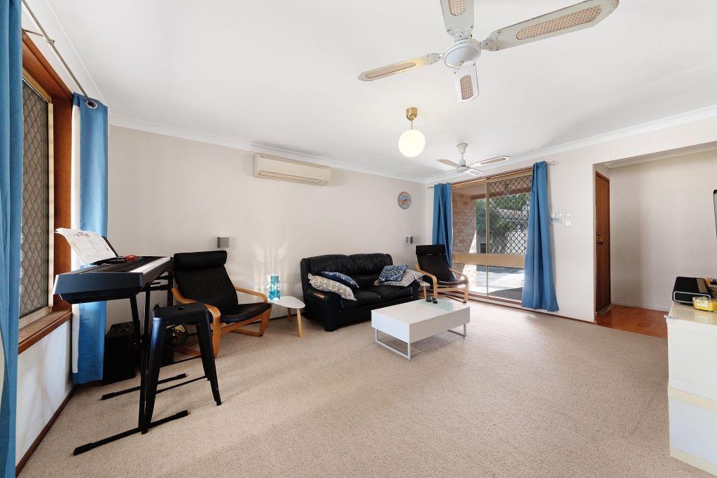 2/28 Angler Street, Woy Woy NSW 2256, Image 2