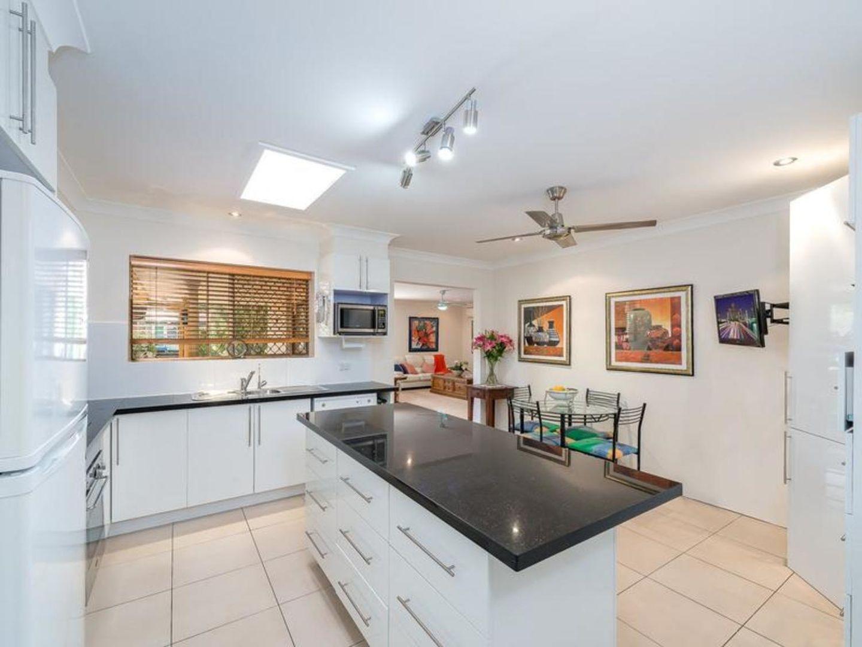 4 Woomera Crescent, Southport QLD 4215, Image 2