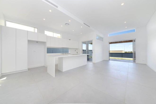 Picture of 26a Lasseter Avenue, CHIFLEY NSW 2036