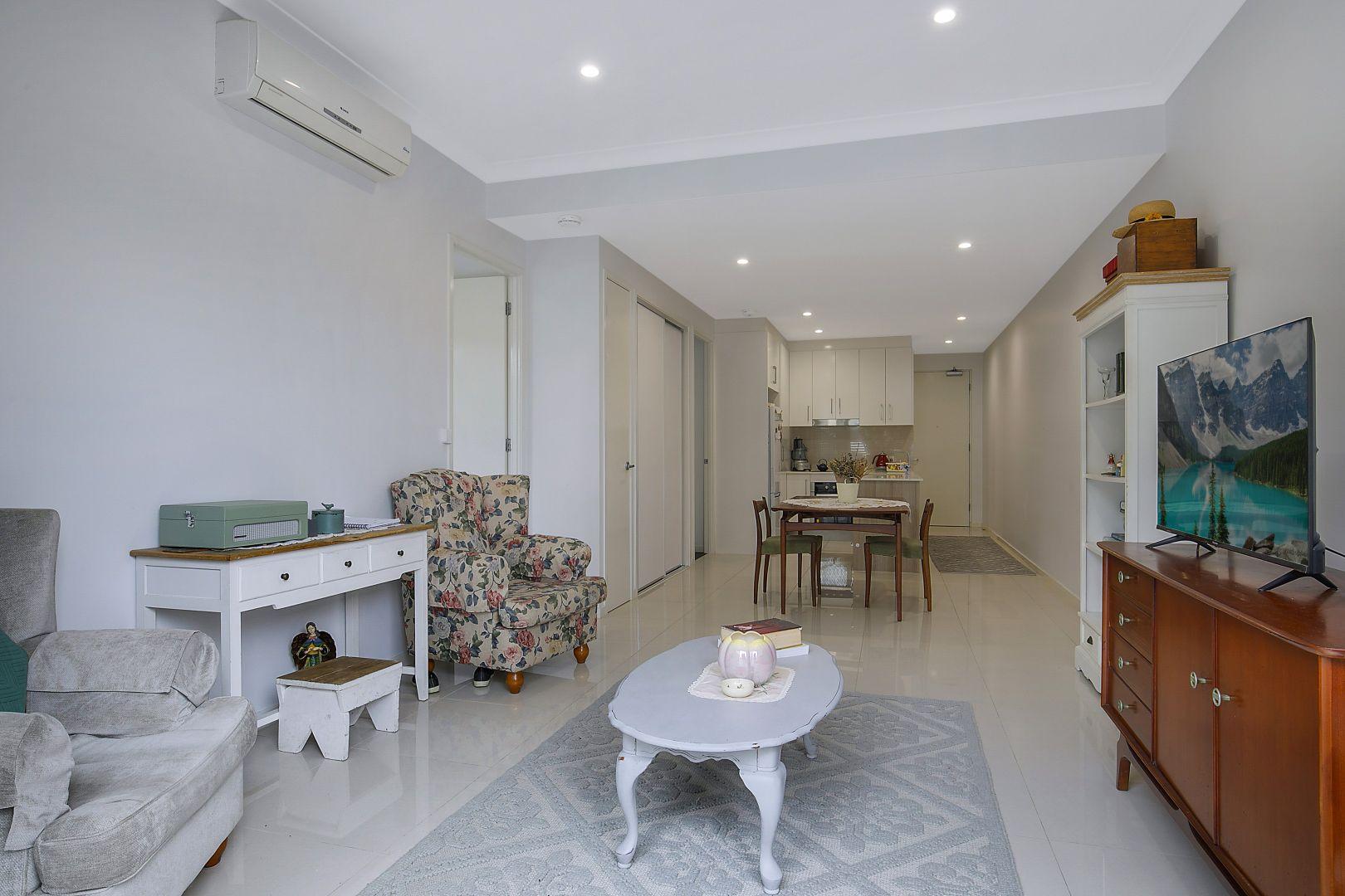 1/68 Kitchener Street, Coorparoo QLD 4151, Image 2
