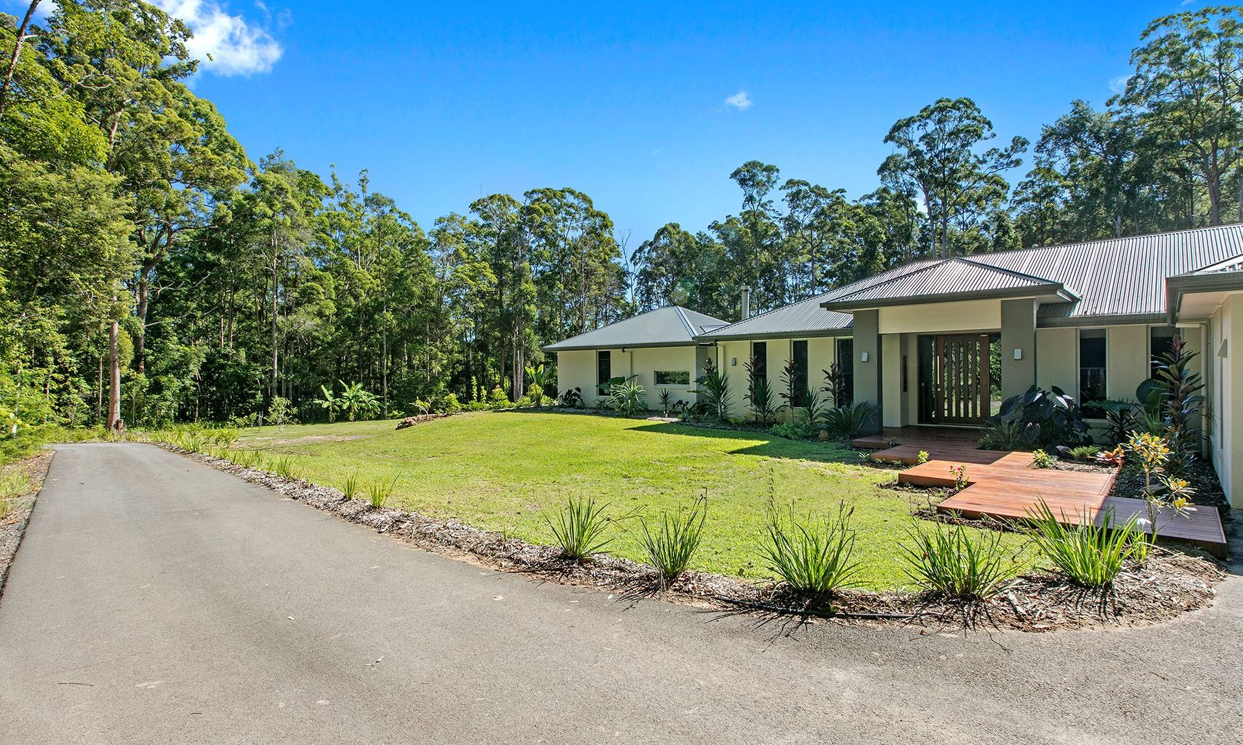 211 Dales Road, Chevallum QLD 4555, Image 2