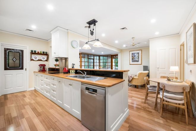 Picture of 8 Caraselle Avenue, WANGARATTA VIC 3677