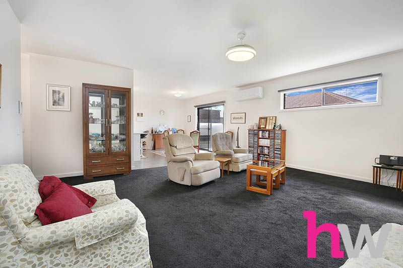4/13-15 Carruthers Court, Thomson VIC 3219, Image 1