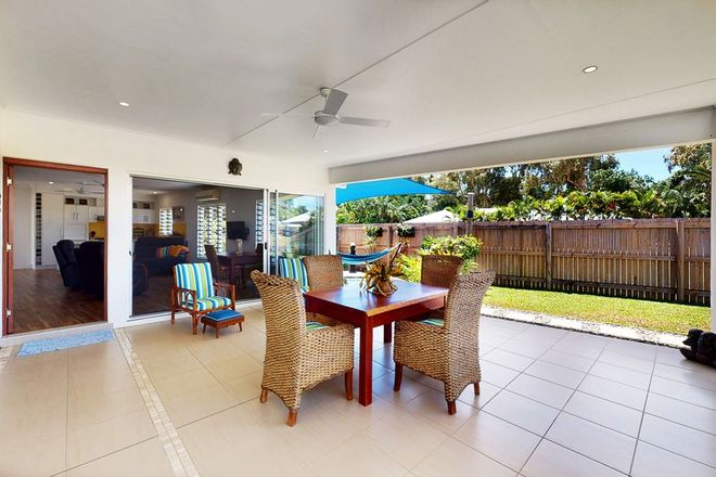 Picture of 9 Shore Street, WONGALING BEACH QLD 4852