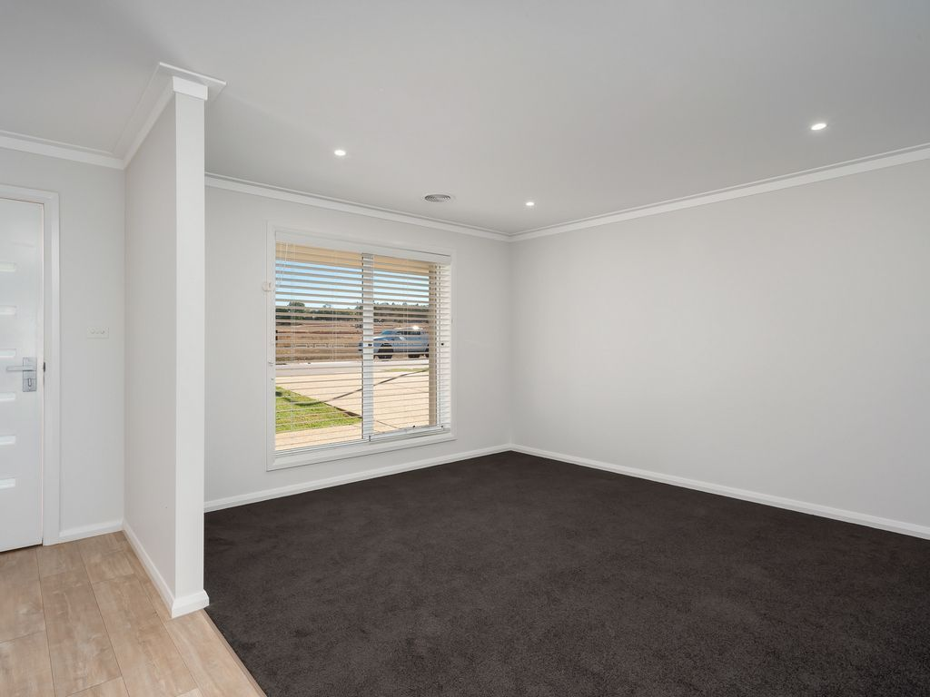 23 Wiveon Street, Gobbagombalin NSW 2650, Image 1