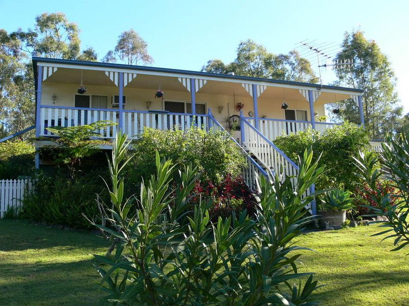 105 Pine Crescent, Esk QLD 4312, Image 0