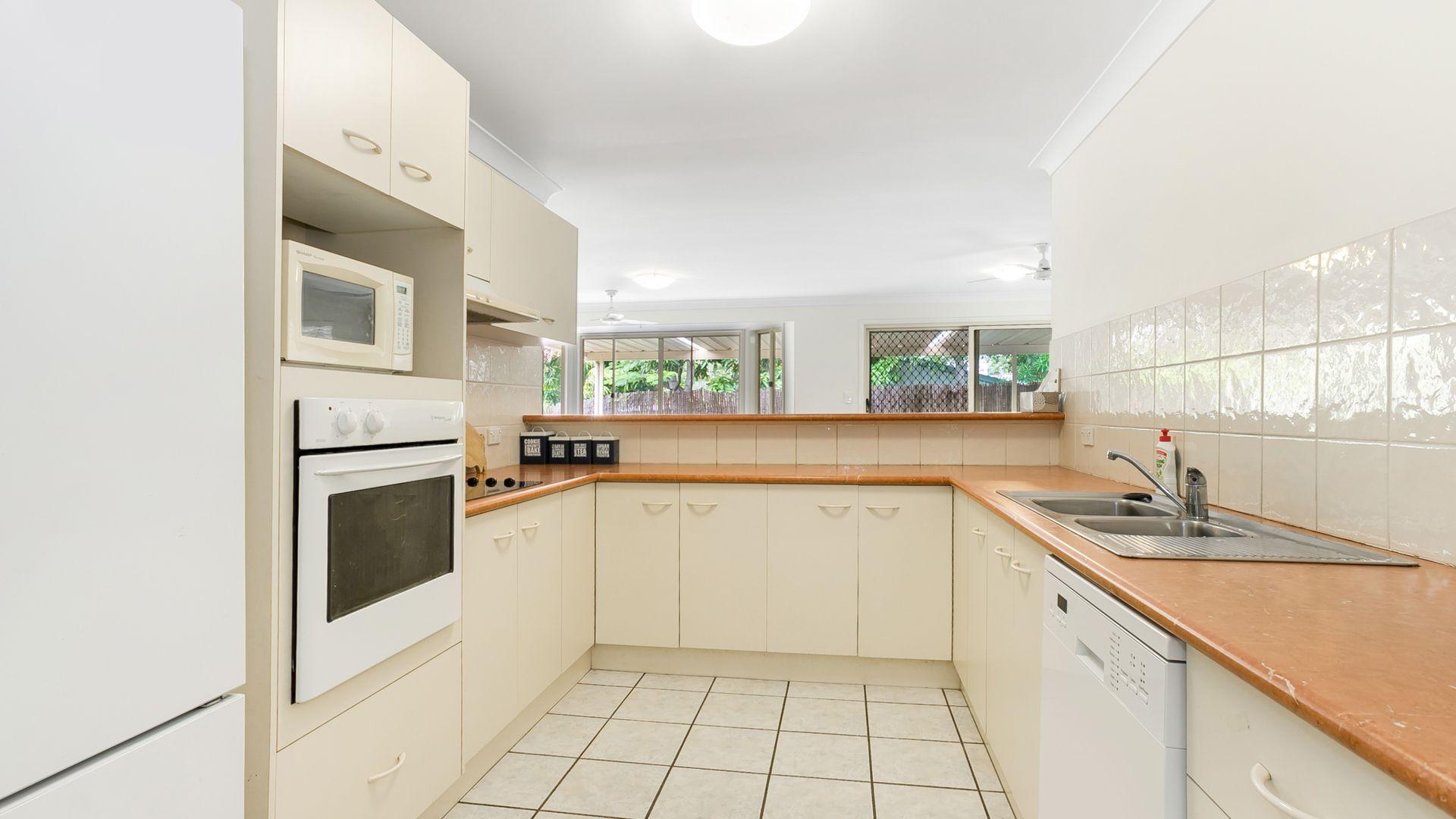 12 Erncroft Place, Rocklea QLD 4106, Image 2