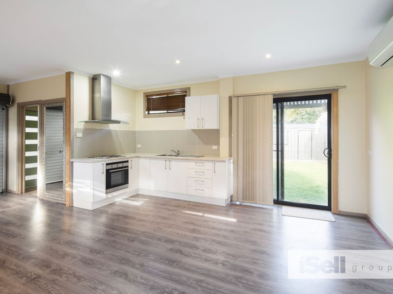 Room 4/14 Hales Court, Keysborough VIC 3173, Image 2