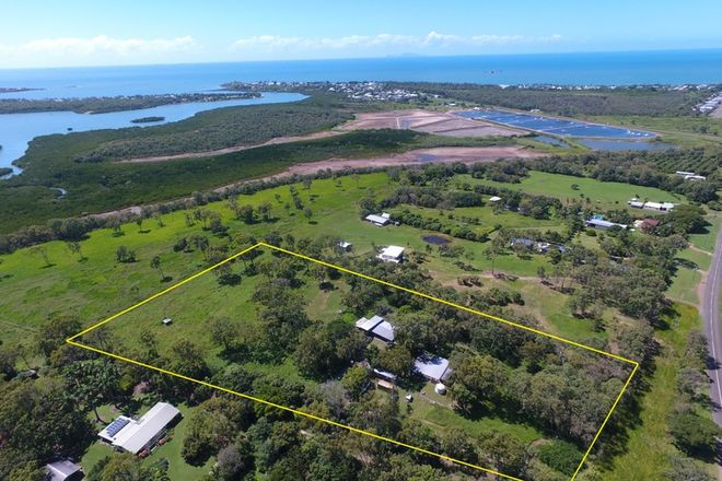 Picture of 1109 Sarina Beach Road, SARINA BEACH QLD 4737