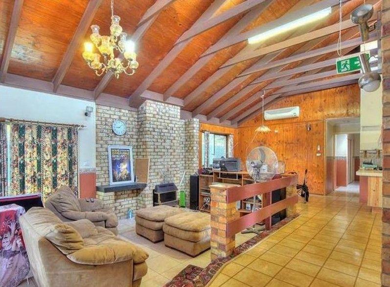 6 Salix Place, Sunnybank QLD 4109, Image 2