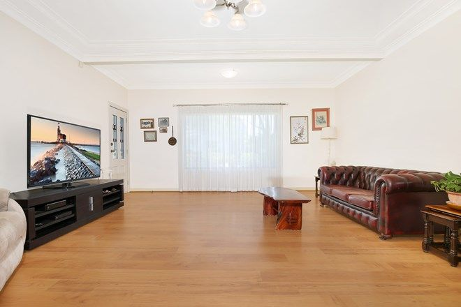Picture of 130 Heaslip Street, MANGERTON NSW 2500