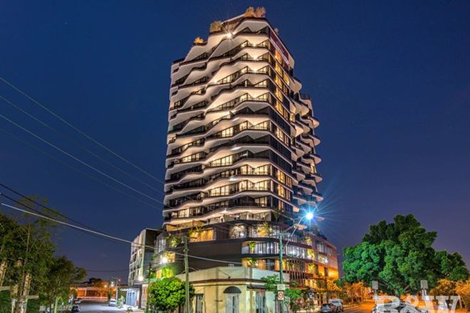 Picture of 62 Logan Road, WOOLLOONGABBA QLD 4102