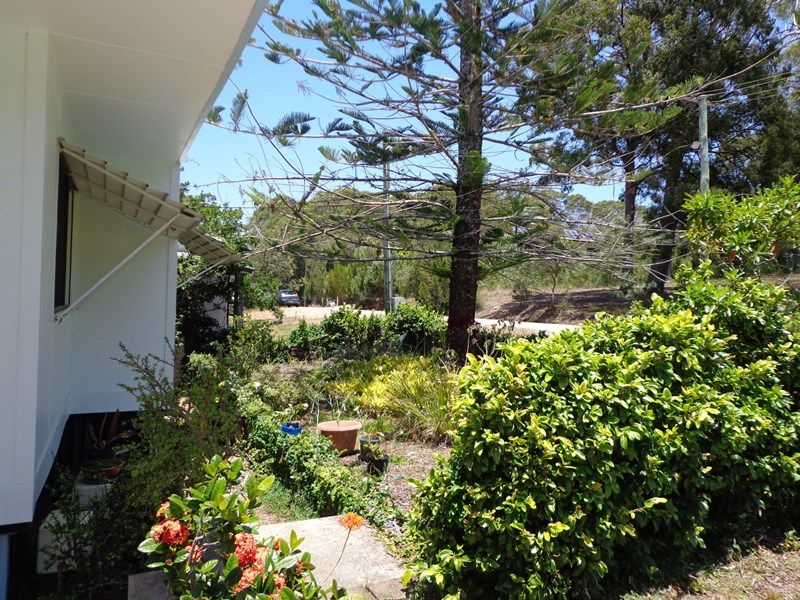 7 Seaview Street, Russell Island QLD 4184, Image 2