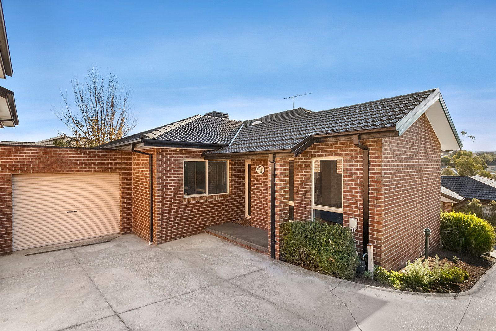 3/12 Laurence Avenue, Airport West VIC 3042, Image 0
