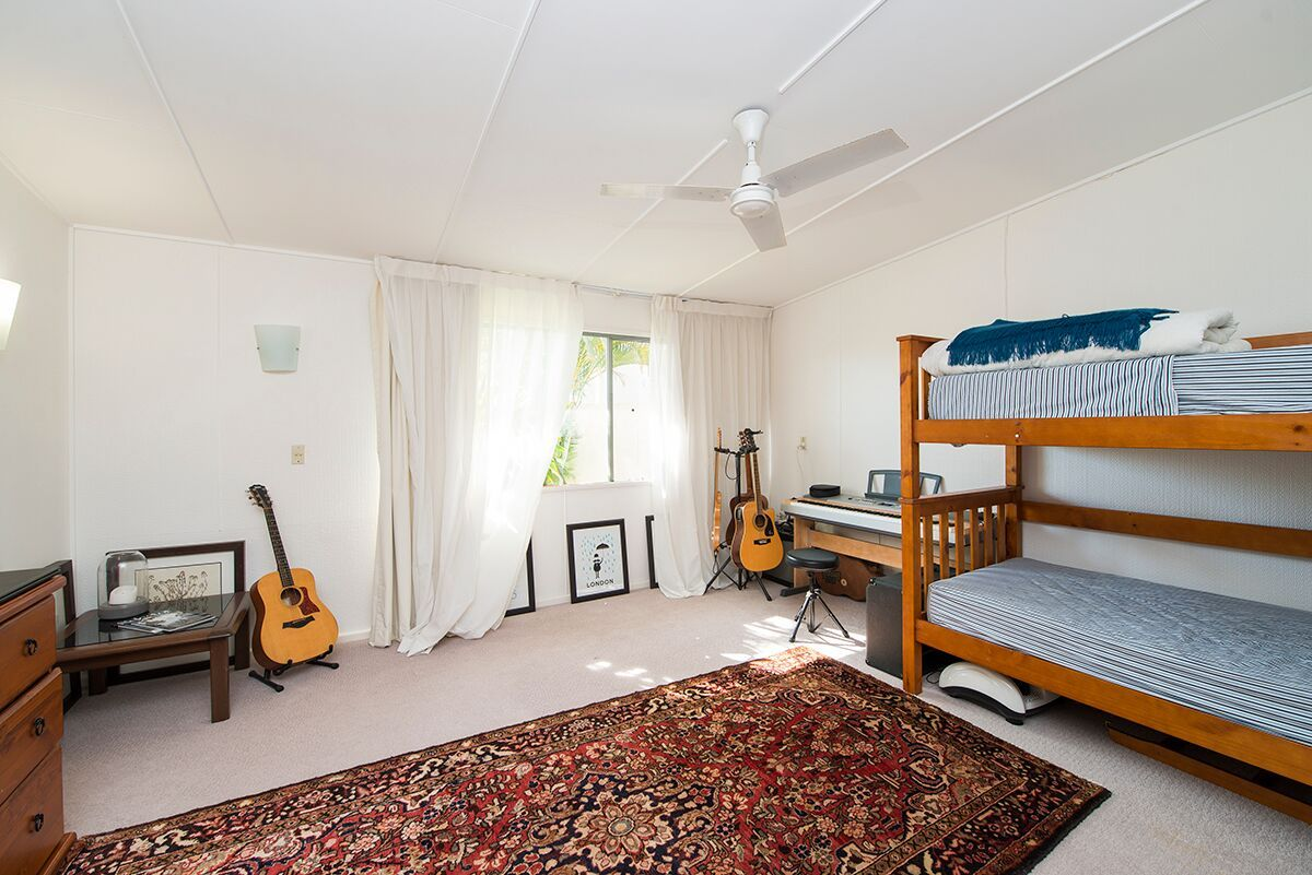 25 Summerland Key, Broadbeach Waters QLD 4218, Image 2