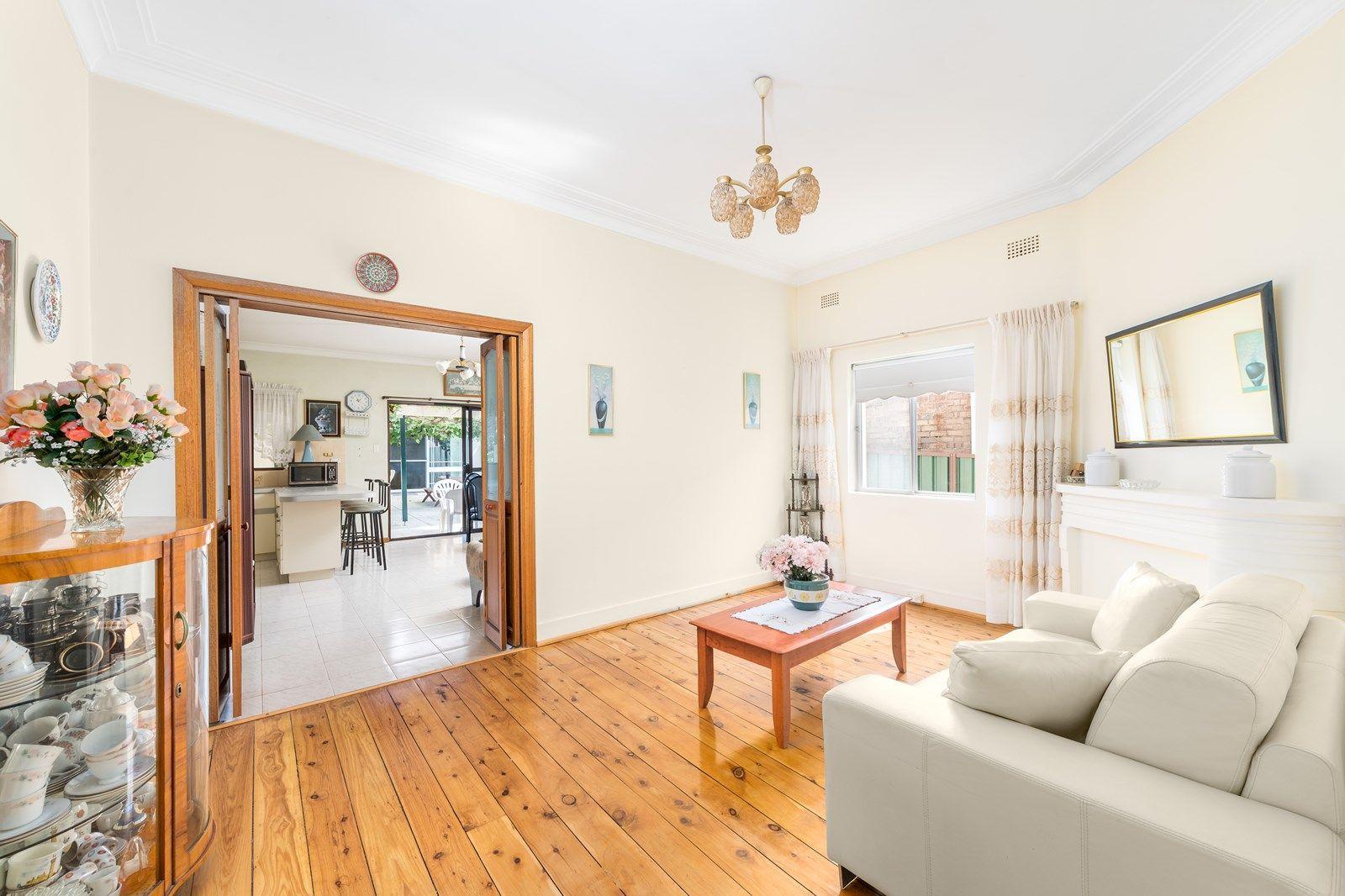 17 Colvin  Avenue, Carlton NSW 2218, Image 1