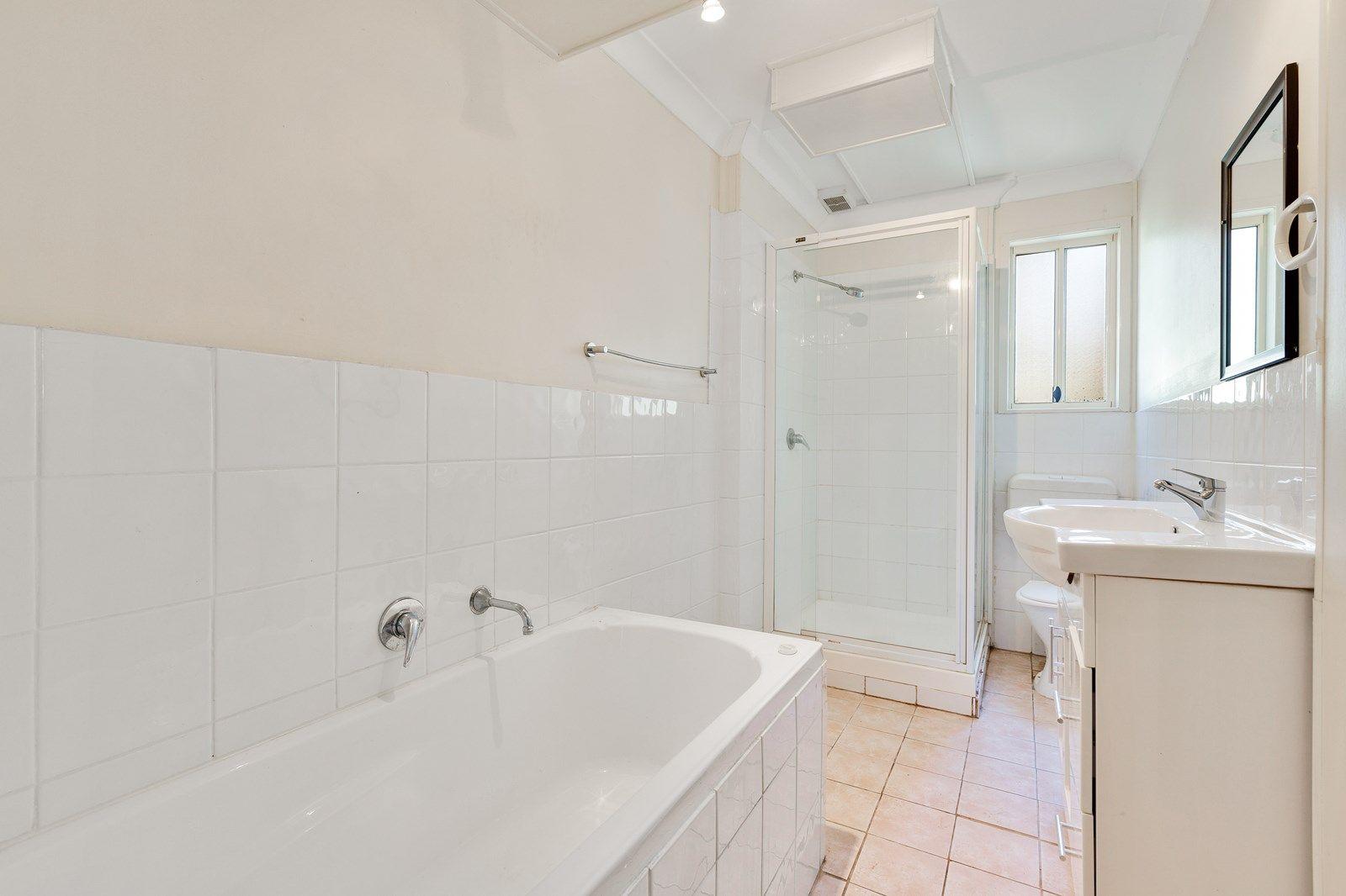 38a Dandaraga Road, Brightwaters NSW 2264, Image 2