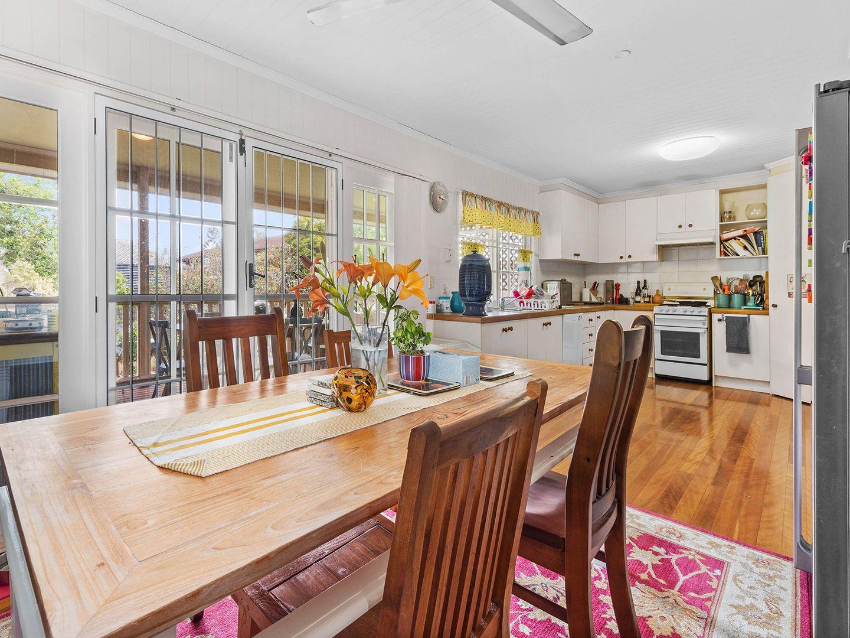 37 Donaldson Street, Corinda QLD 4075, Image 2