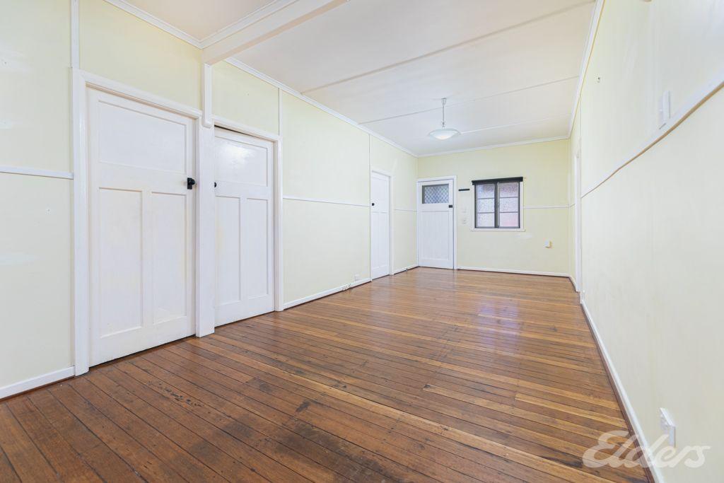 25 Leslie Street, Woodford QLD 4514, Image 2