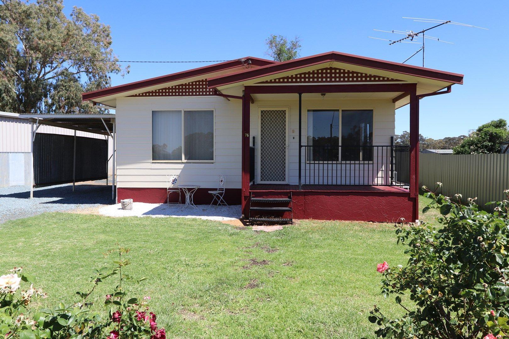 76 Ashelford Street, Temora NSW 2666, Image 0