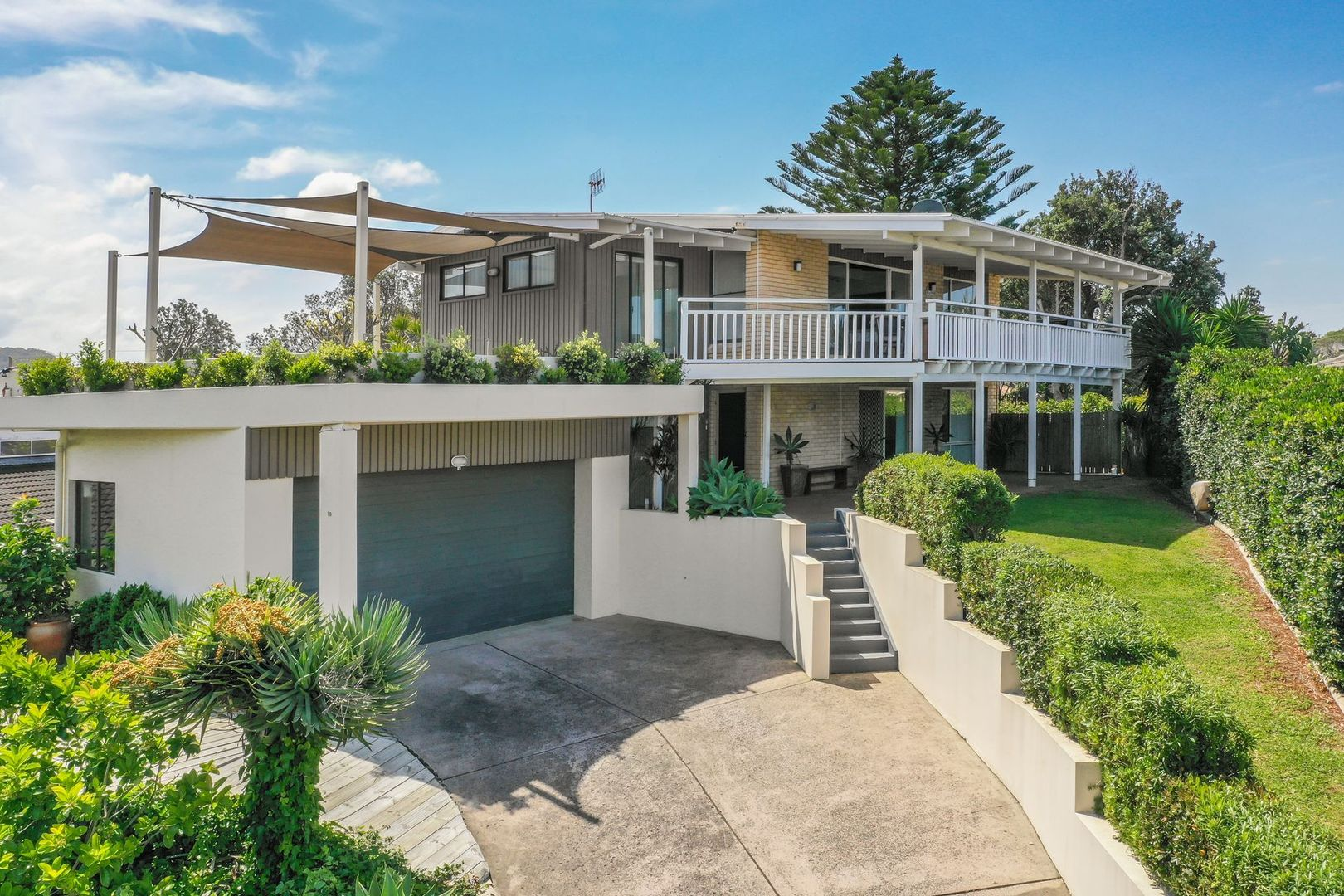 10 Crystal Street, Forresters Beach NSW 2260, Image 0