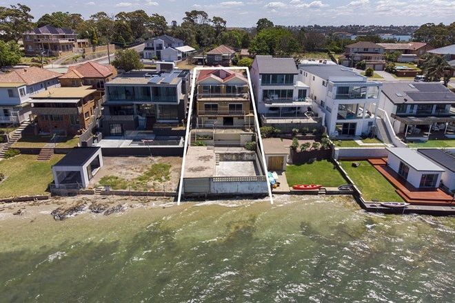 Picture of 34 Woodlands Road, TAREN POINT NSW 2229