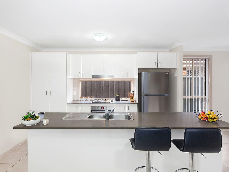 27 Oakmont Place, Woongarrah NSW 2259, Image 2