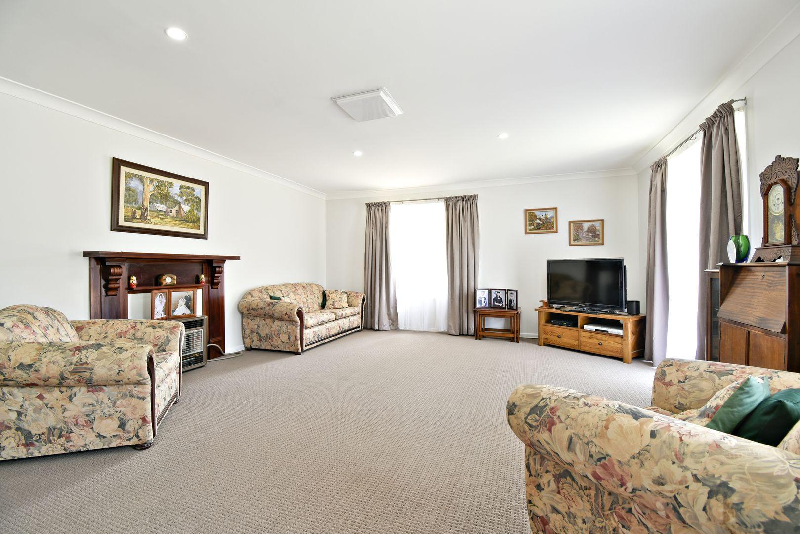 4 Colony Crescent, Dubbo NSW 2830, Image 2