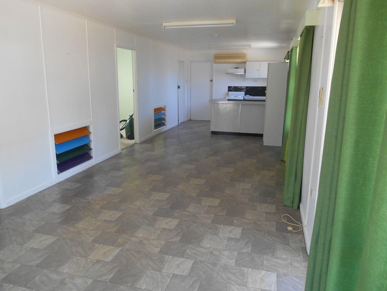 71 Whyte Avenue, Bowen QLD 4805, Image 2