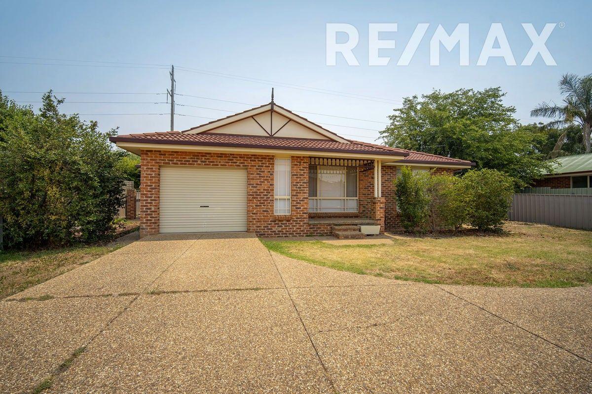 2/8 Malebo Place, Tatton NSW 2650, Image 0