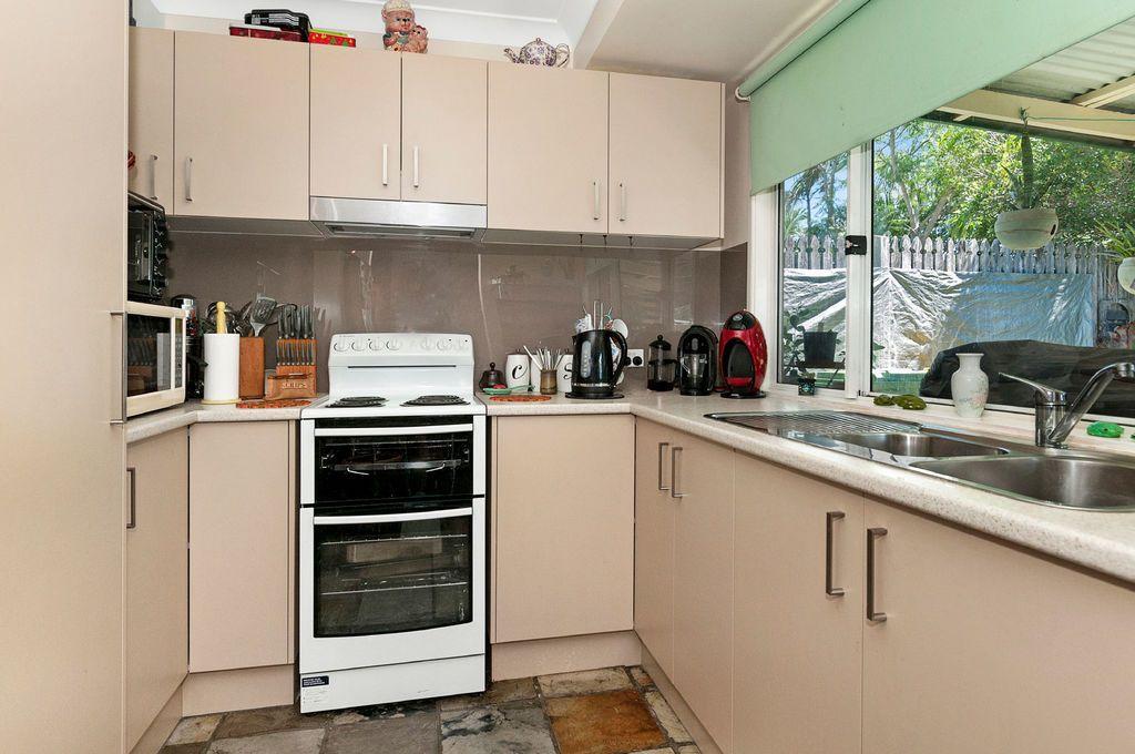 11 Rosella Street, Loganlea QLD 4131, Image 2