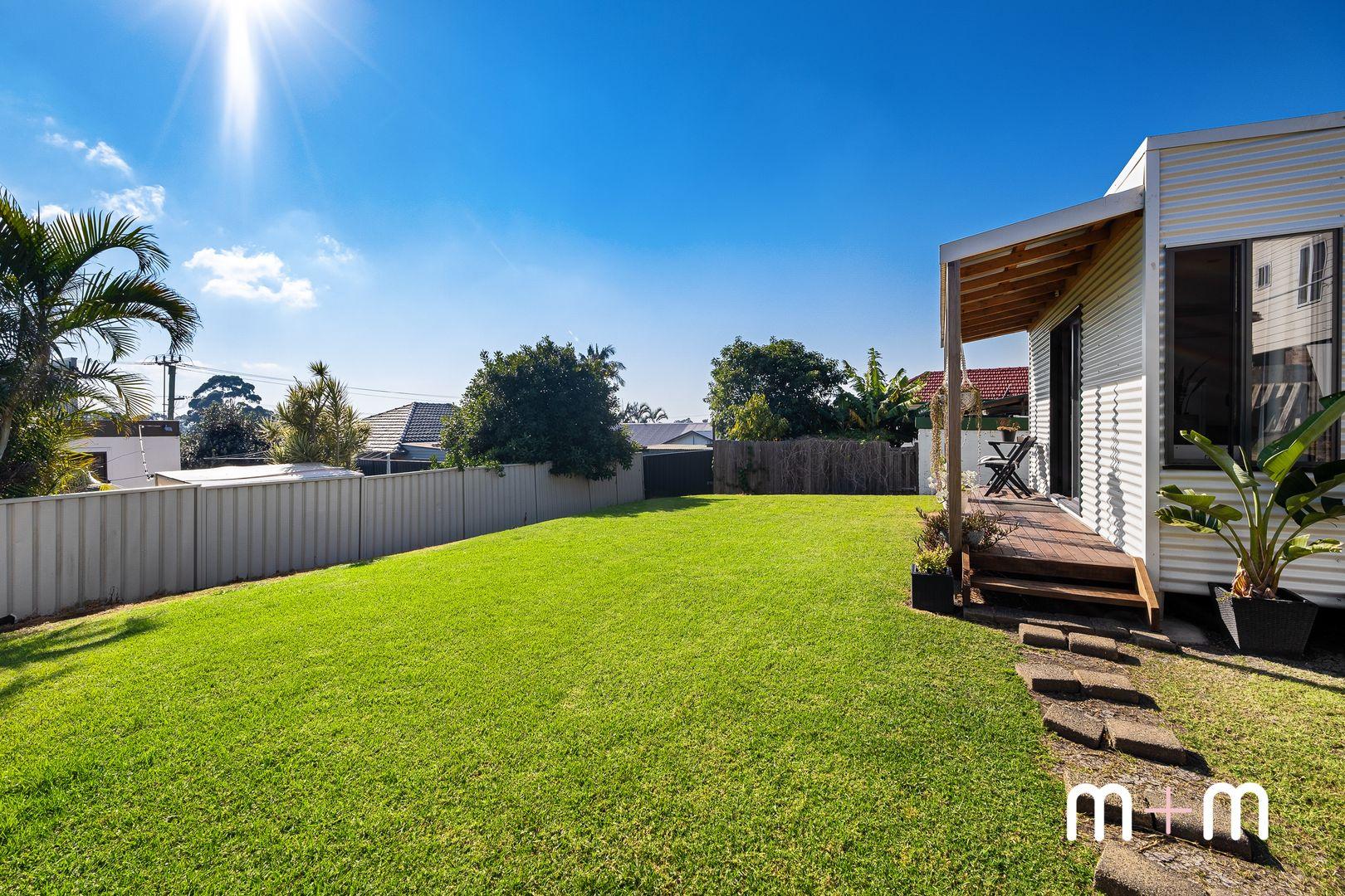 6 Wilga Street, Corrimal NSW 2518, Image 2